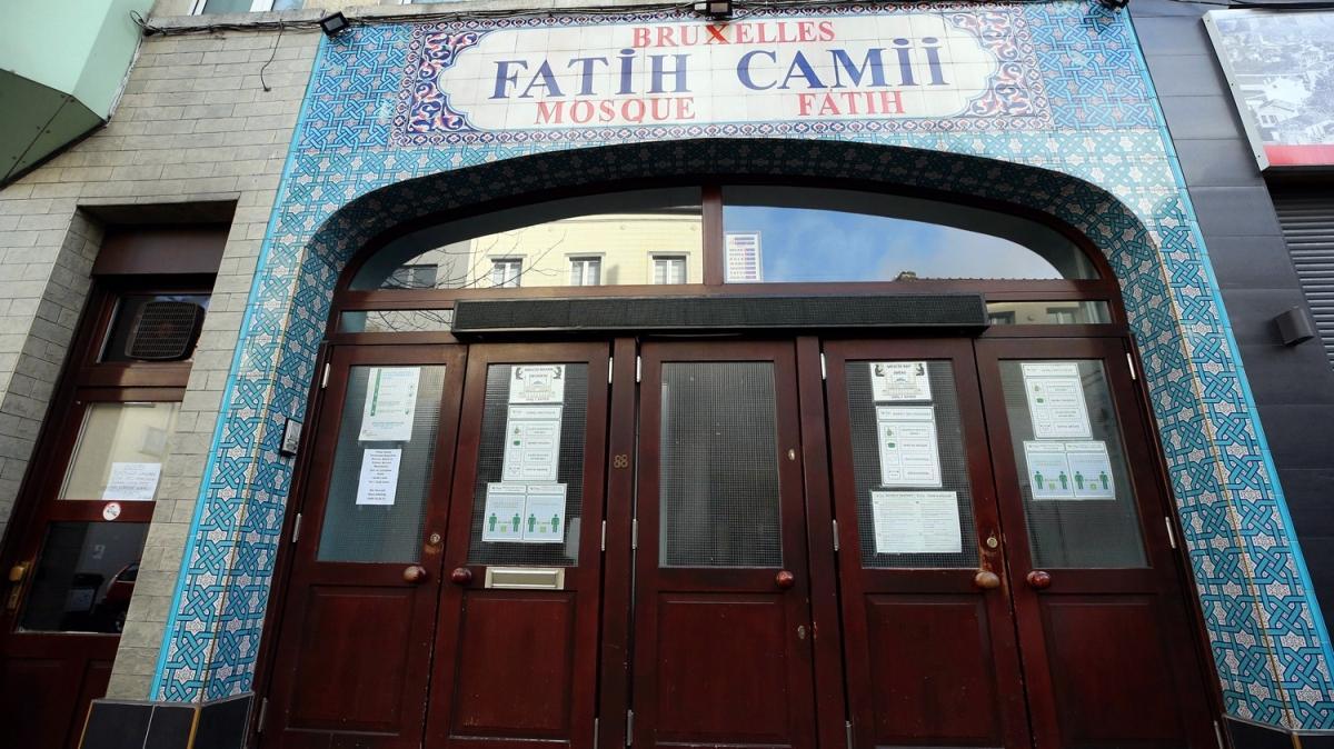 Brüksel'de koronavirüs nedeniyle ibadethaneler kapatıldı