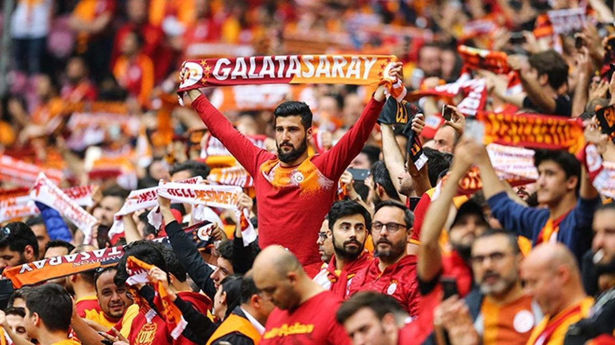 Galatasaray taraftar grubu ultrAslan'dan yönetim mesajı