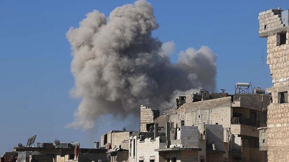 Rus savaş uçakları, İdlib'de eğitim kampını vurdu: Çok sayıda SMO askeri hayatını kaybetti