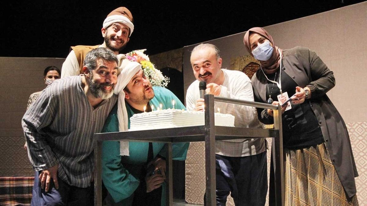 """""""Ziyafet Sofrası"""" adlı oyun 400. kez sahnede"""
