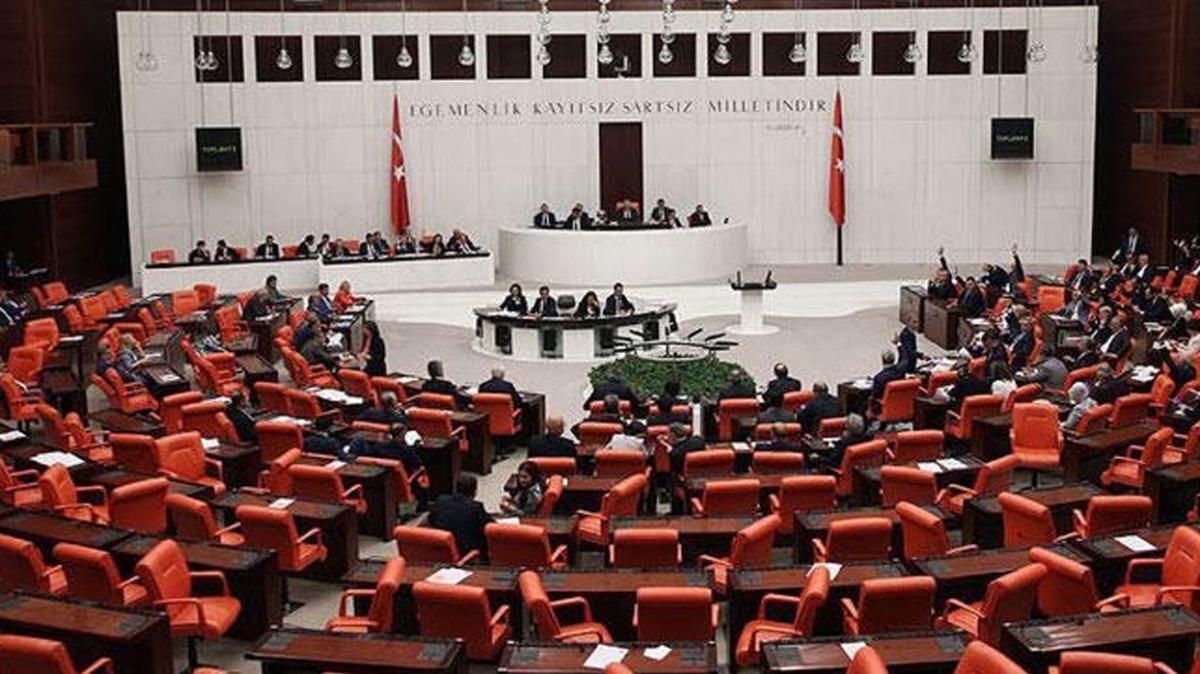 AK Parti, CHP, MHP ve İYİ Parti'den Fransa Cumhurbaşkanı Macron'a ortak tepki
