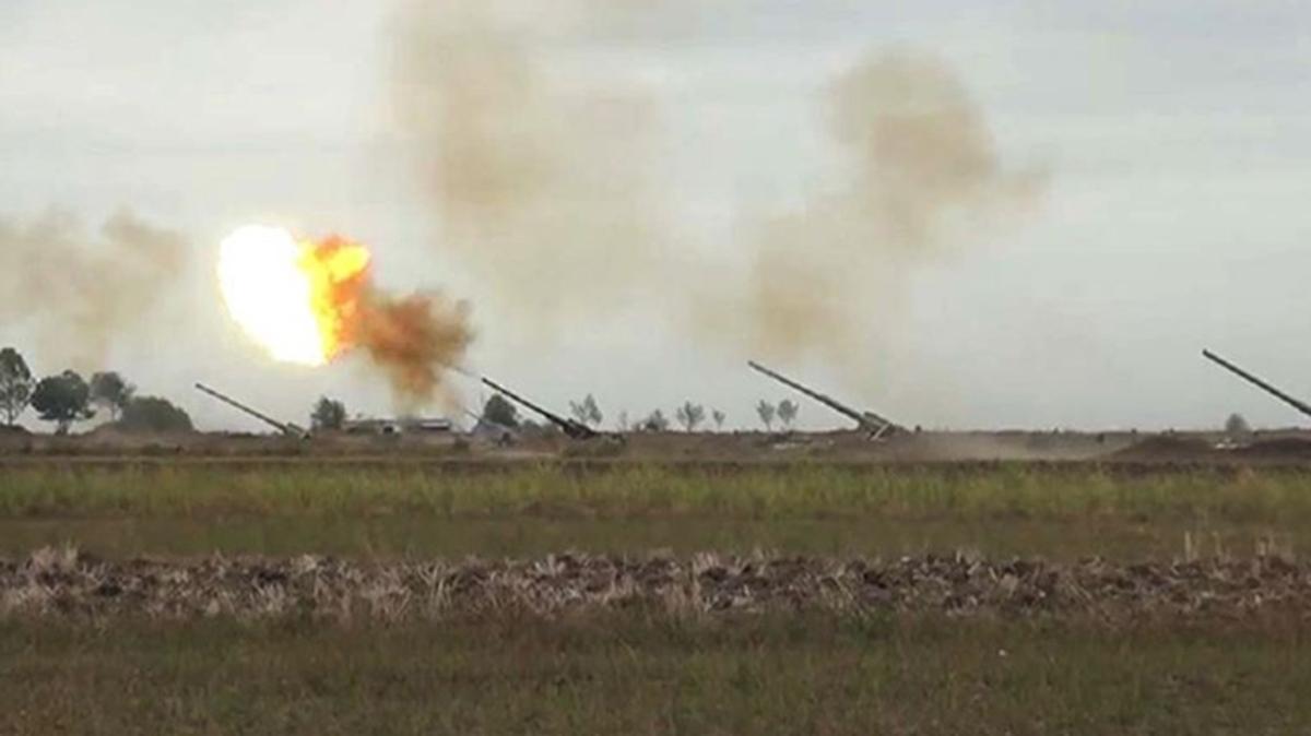 Azerbaycan ordusu işgalci Ermenileri geri püskürttü