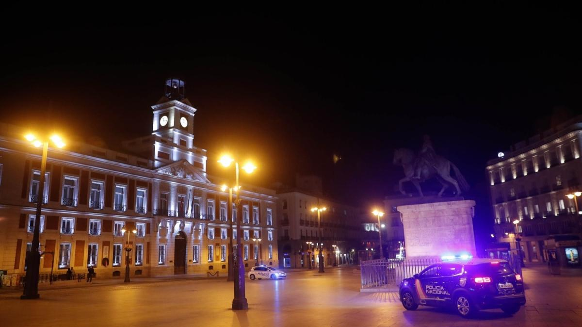 İspanya'da koronavirüse karşı OHAL ilan edildi
