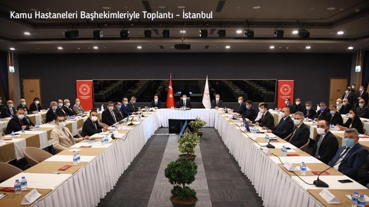 Sağlık Bakanı Koca, İstanbul'daki kamu hastaneleri başhekimleriyle bir araya geldi