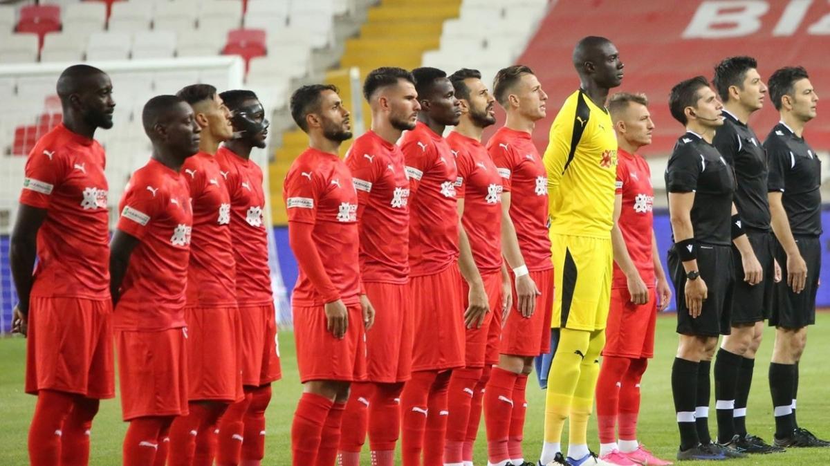 Villarreal'e 3 gol atan Sivasspor, ligde iç sahada 3 maçtır ağları sarsamıyor