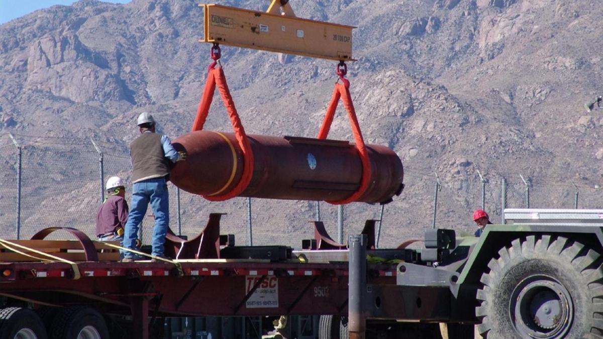 """ABD İsrail'e """"14 bin tonluk"""" bomba hediye ediyor: En dayanıklı sığınakları bile yok ediyor"""