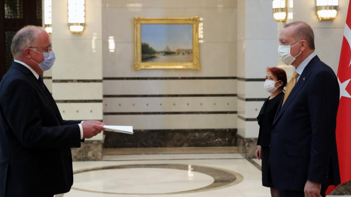 Belçika Büyükelçisi Huynen, Başkan Erdoğan'a güven mektubu sundu