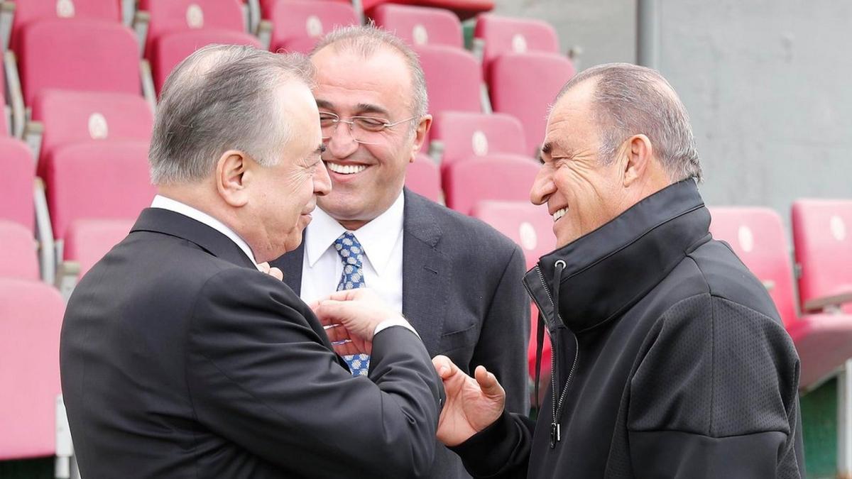 Galatasaray'da sorunlar çözüldü, erken seçim rafa kalktı