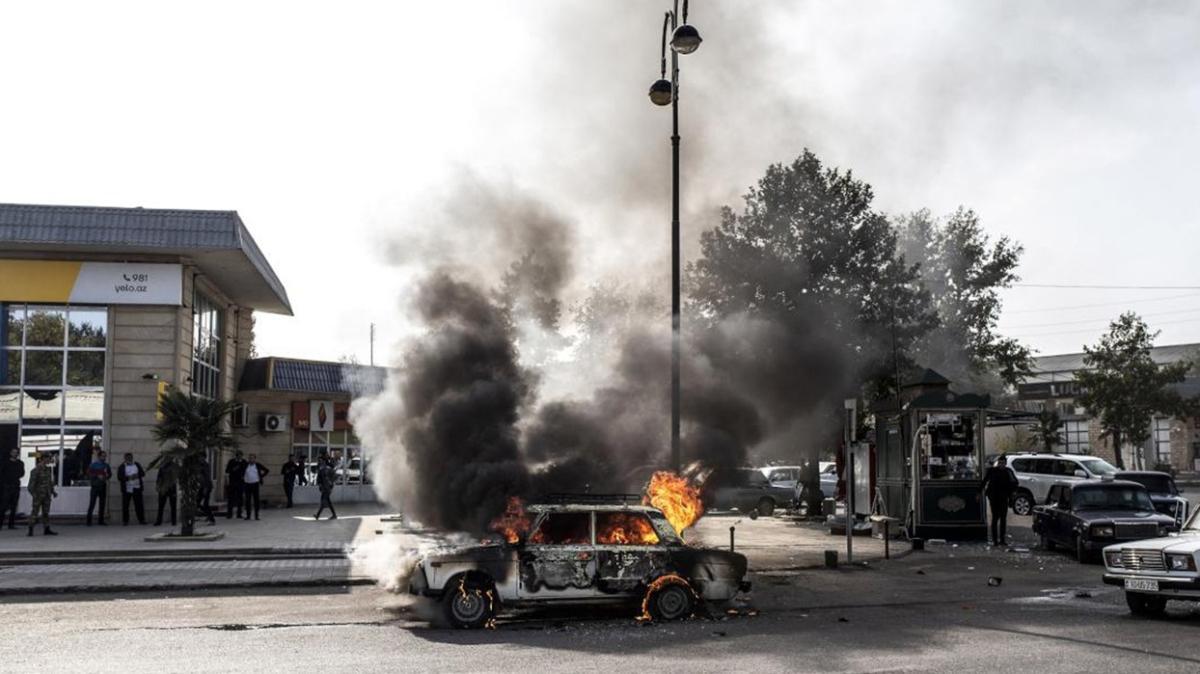 İşgalci Ermenistan Berde şehir merkezini vurdu: 21 ölü, 70 yaralı