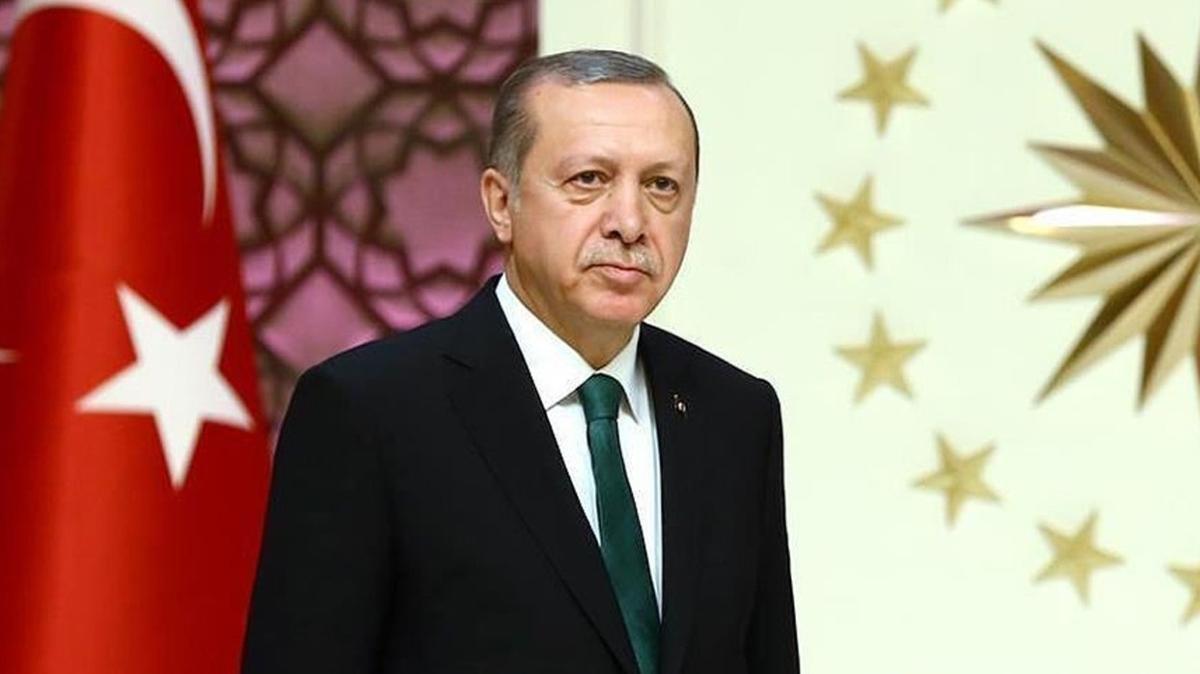 Yükseköğretimde açık ve uzaktan eğitimin yapılandırılması raporu Başkan Erdoğan'a sunuldu