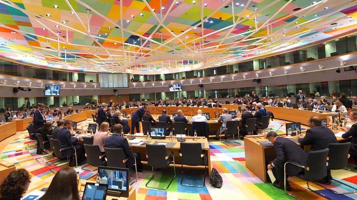 Avrupa Birliği ülkeleri koronavirüs için toplanacak... Artan vakalar gündemde