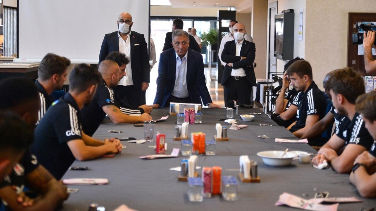 Beşiktaş'ta Ahmet Nur Çebi'den futbolculara prim sözü