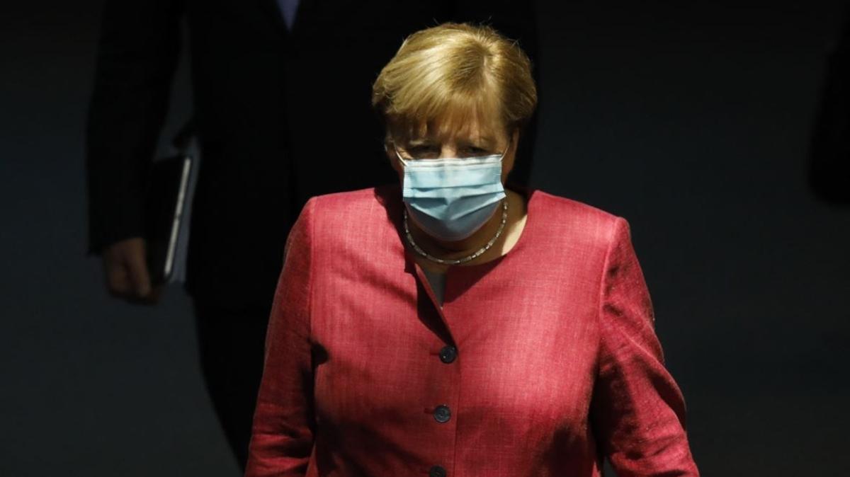 Merkel, korona tedbirlerine ilişkin eleştirilere yanıt verdi: Başka çaremiz yok