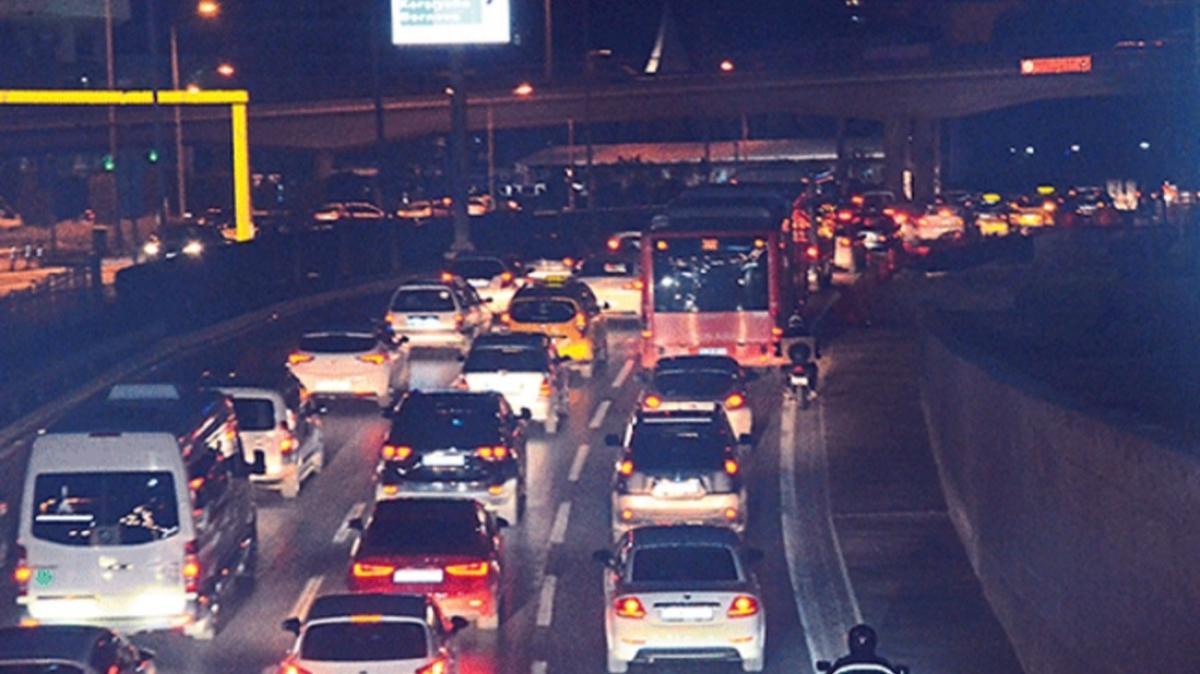 """Bakan Soylu'dan vatandaşlara """"yol"""" uyarısı: Lütfen araçlarınızı kullanmayınız"""