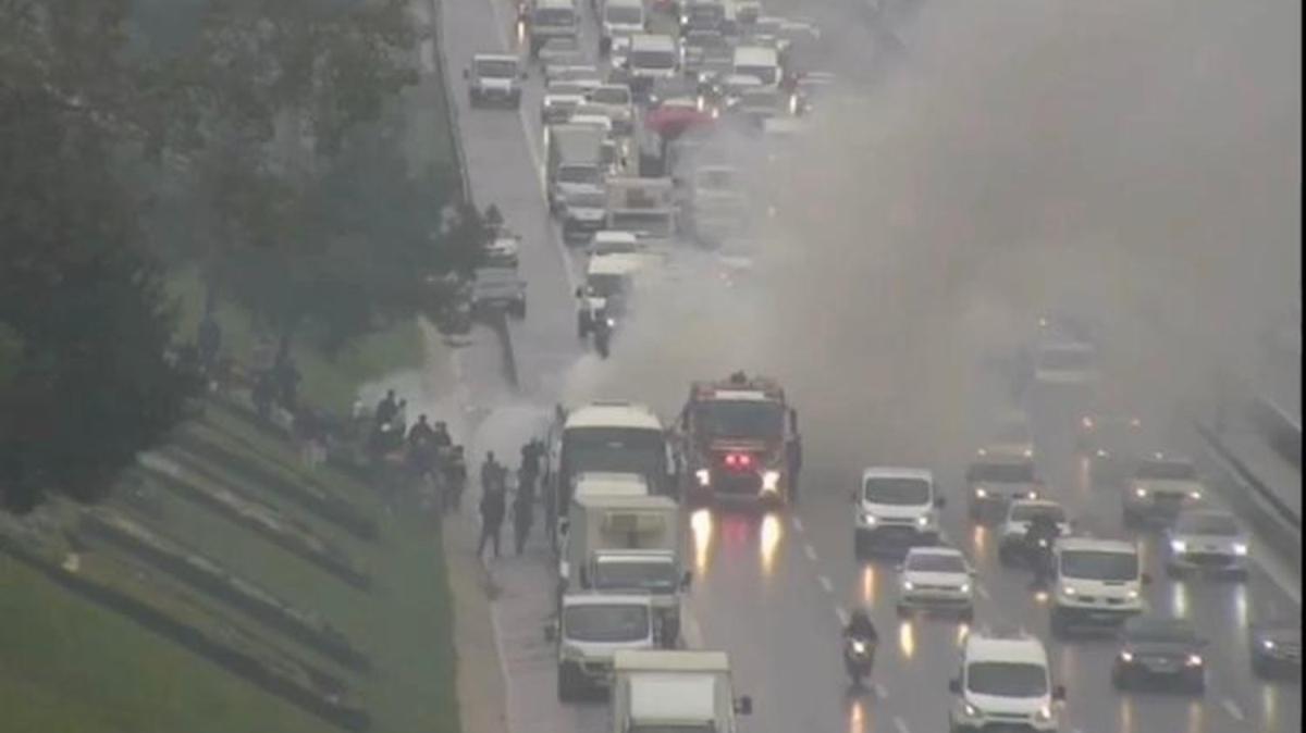 TEM'de otobüs alev alev yanıyor