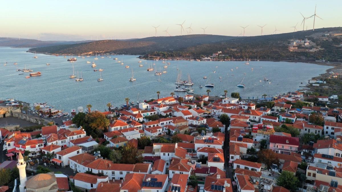İzmir'de 5 büyüklüğünde artçı deprem meydana geldi