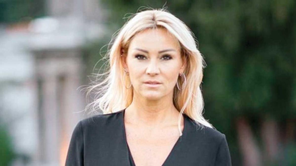Pınar Altuğ takipçilerine sitem etti: Mutluluğunuz size kalsın