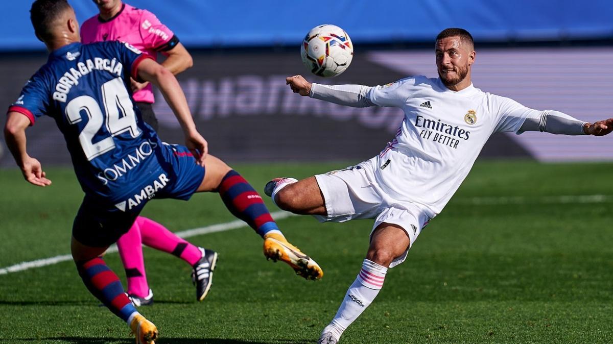 Real Madrid 4 golle 3 puanın sahibi oldu