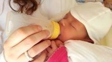 Anne sütü bebeğin su ihtiyacını karşılar