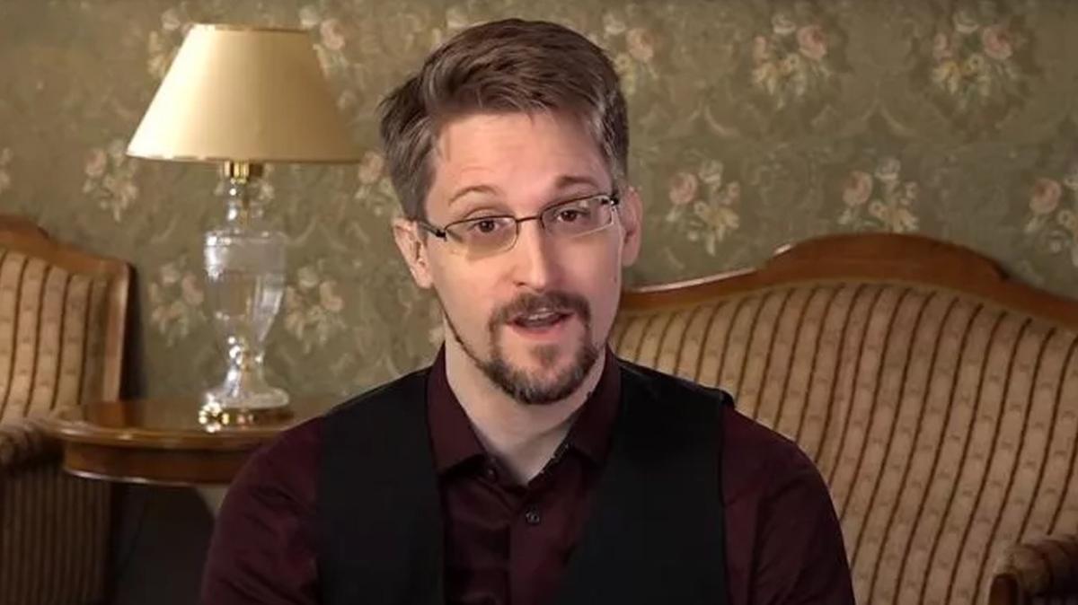 ABD'nin devlet sırlarını ifşa etmişti: Edward Snowden, Rus vatandaşlığına başvurdu