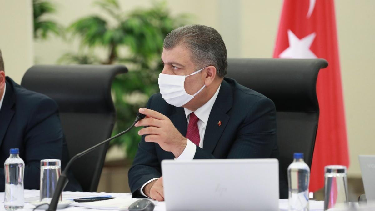 Bakan Koca'dan İzmir'e Kovid-19 uyarısı: Koronavirüsün yayılması çok elverişli