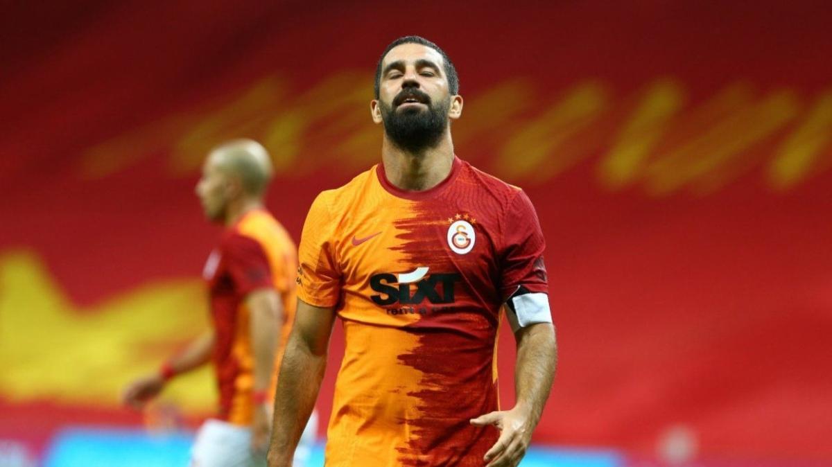 Galatasaray'da Arda Turan yeniden ilk 11'e dönüyor