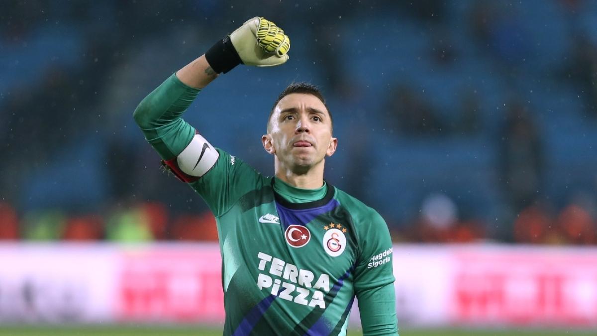 Galatasaray'a Muslera müjdesi!