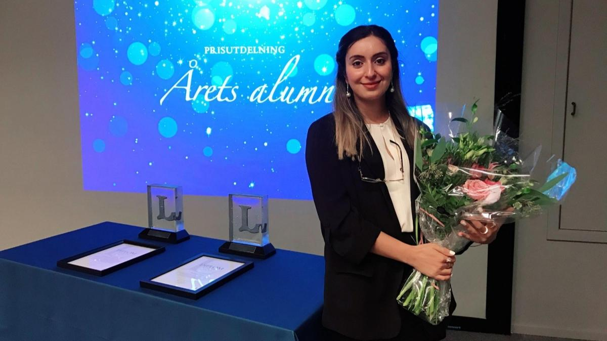 """İsveç'te Türk kızı Meleknur Alevcan """"Yılın Onur Ödülü""""ne layık görüldü"""