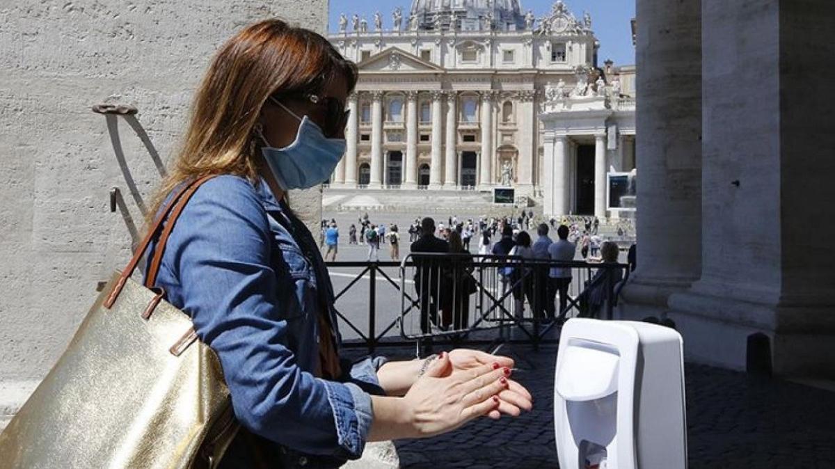 """İtalya'da koronavirüs salgınında ikinci dalga: """"Genel karantina"""" ilk seçenek olmayacak"""