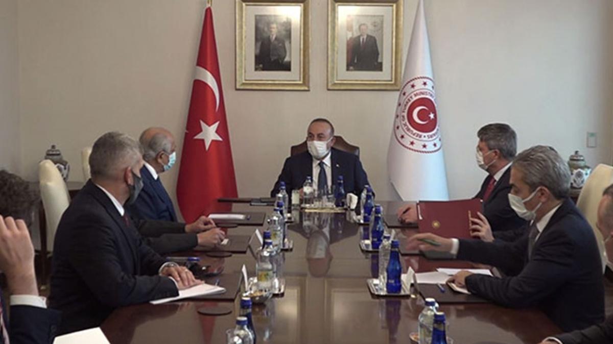 Bakan Çavuşoğlu ile ABD'nin Özel Temsilcisi Halilzad görüşme gerçekleştirdi