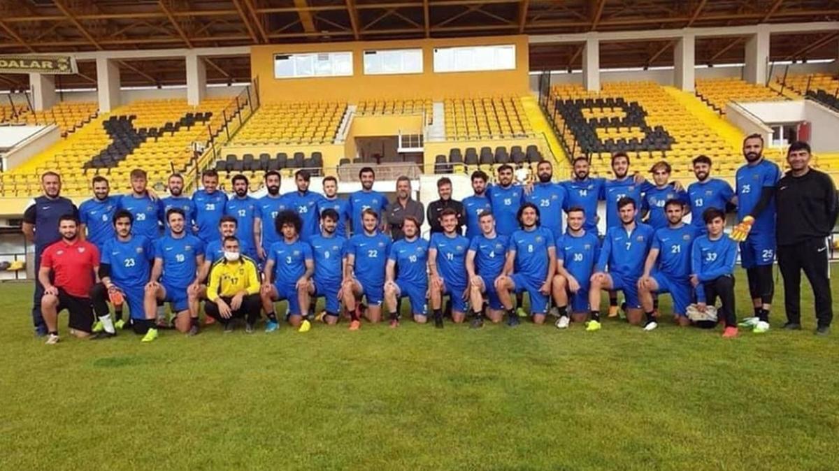 Bayburt Özel İdarespor'da 18 futbolcu koronavirüse yakalandı