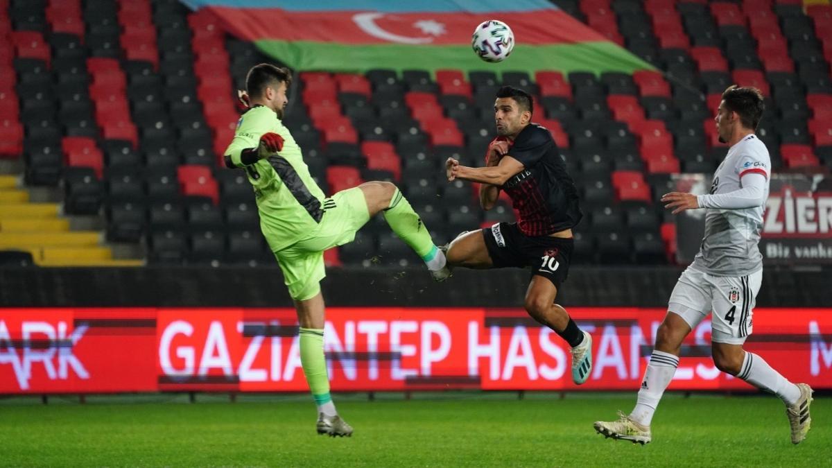 Beşiktaş'ta kaleci Ersin dev maçları kaçıracak