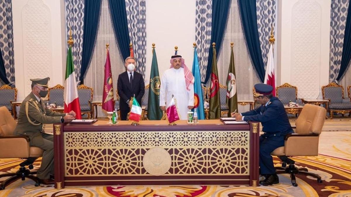 Katar ve İtalya'dan savunmada işbirliği: İmzaları attı