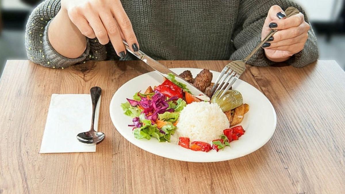 """Rüyada yemek yediğini, pişirmek tabiri nedir"""" Rüyada yemek görmek ne anlama geliyor"""""""