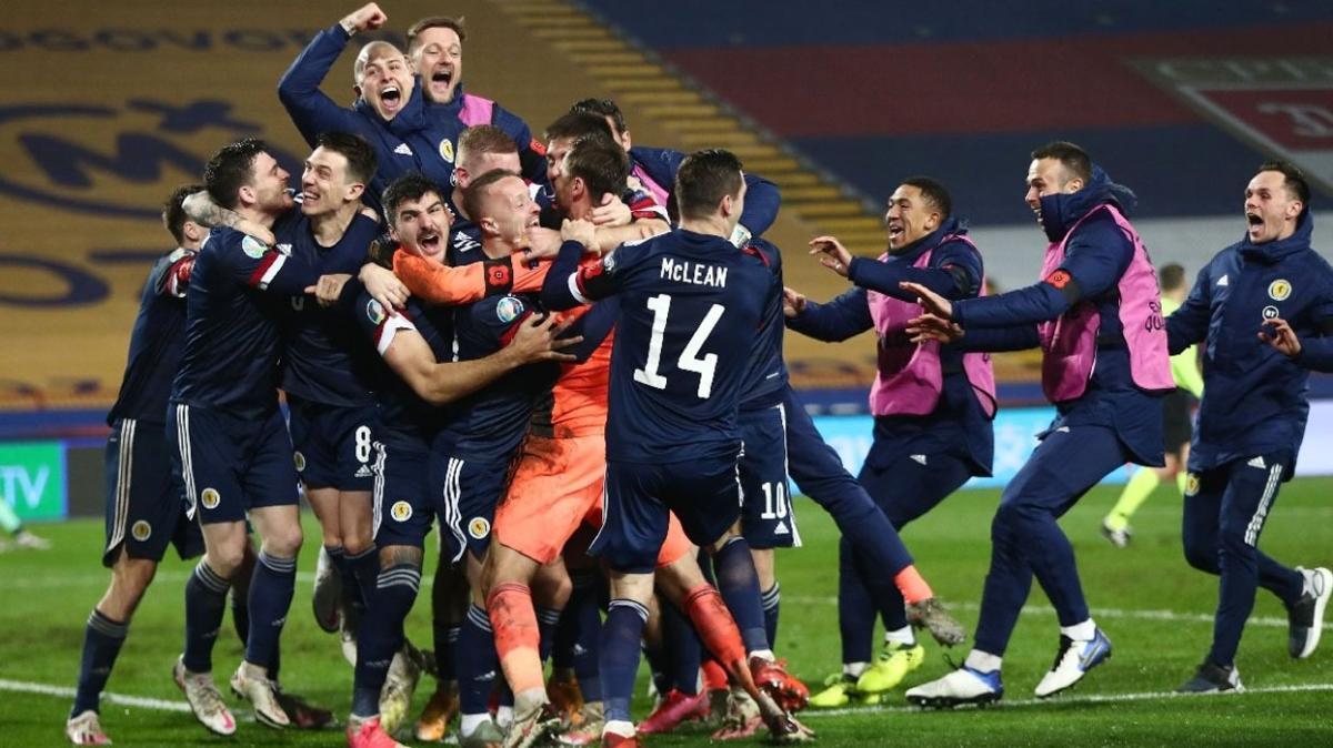 İskoçya Sırbistanı eleyerek Avrupa Şampiyonası'na adını yazdırdı