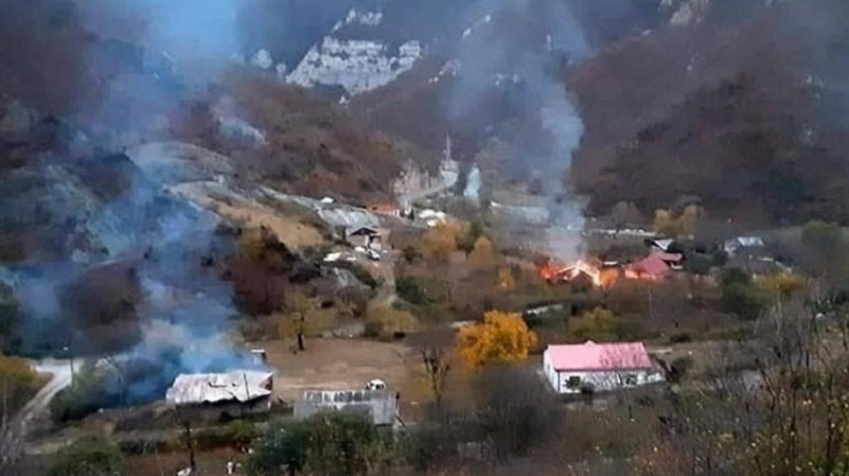 Kelbecer'de evleri ve ormanları yaktılar: Ermeniler kendilerine yakışanı yaptı