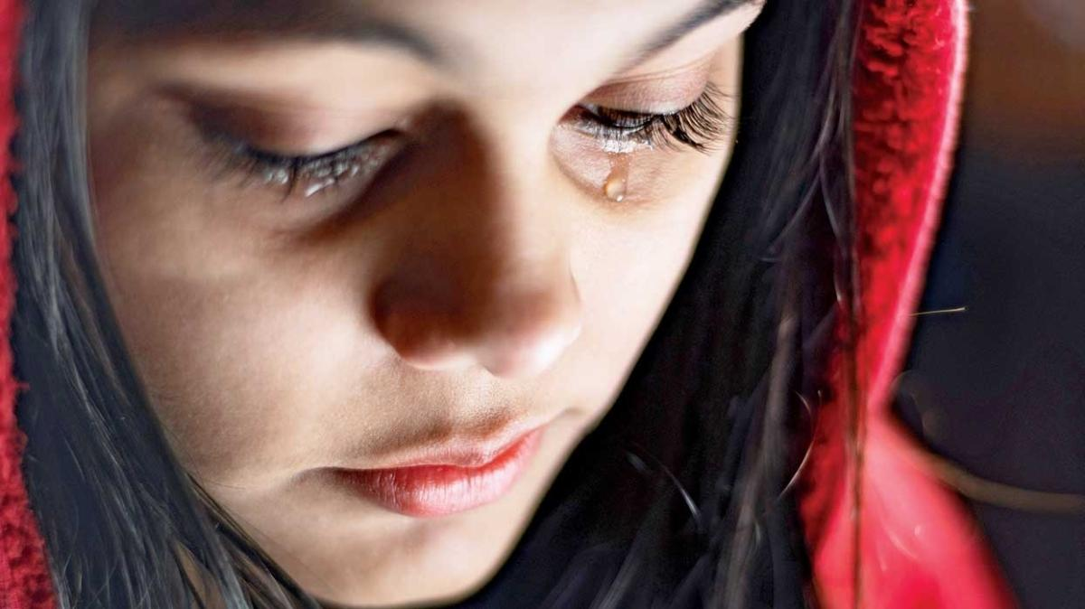 """Neden ağlarız, ağlamak faydalı mı"""""""