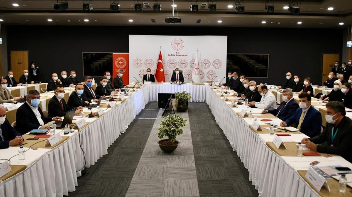 Bakan Koca'nın başkanlığında İstanbul'da koronavirüs toplantısı