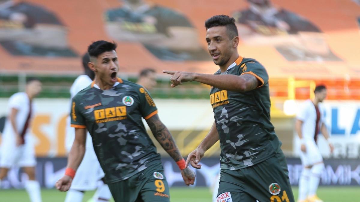 Davidson Pereira, Süper Lig'in tozunu attırıyor