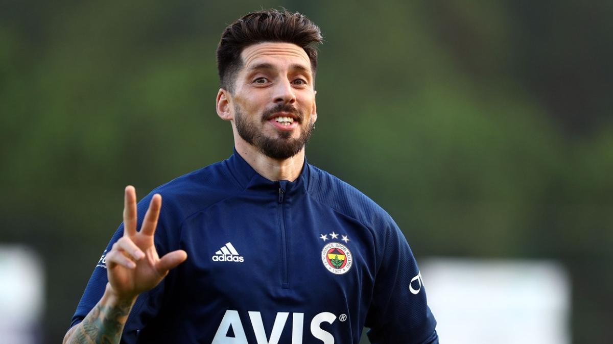 Fenerbahçe'ye Sosa ve Samatta'dan iyi haber
