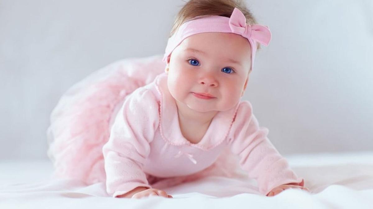 """Rüyada kız çocuğu görmenin tabiri nedir"""" Rüyada kız bebek görmek ne anlama gelmektedir"""""""
