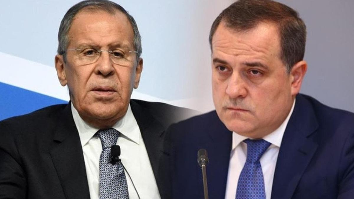 Azerbaycan Dışişleri Bakanı Bayramov ile Rusya Dışişleri Bakanı Lavrov telefonda görüştü
