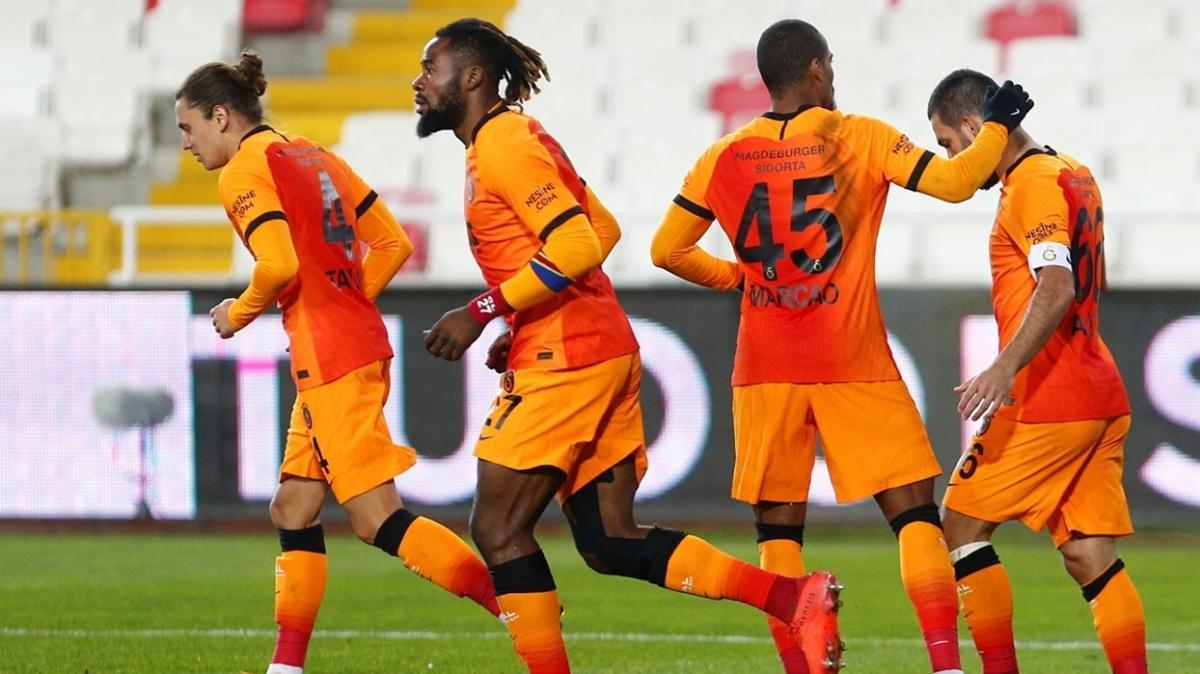 Galatasaray Milli arada üç oyuncusunu kaybetti
