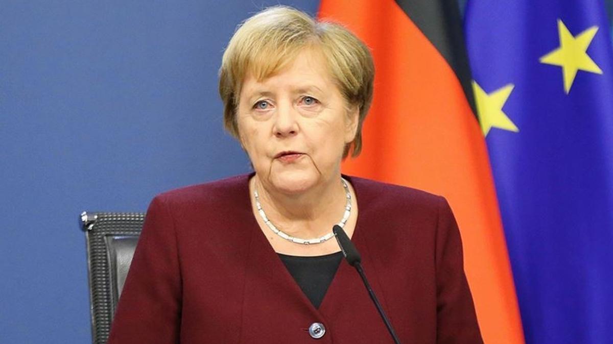 Almanya Başbakanı Merkel'den koronavirüs açıklaması: Gerçekleşmeyen her temas iyidir