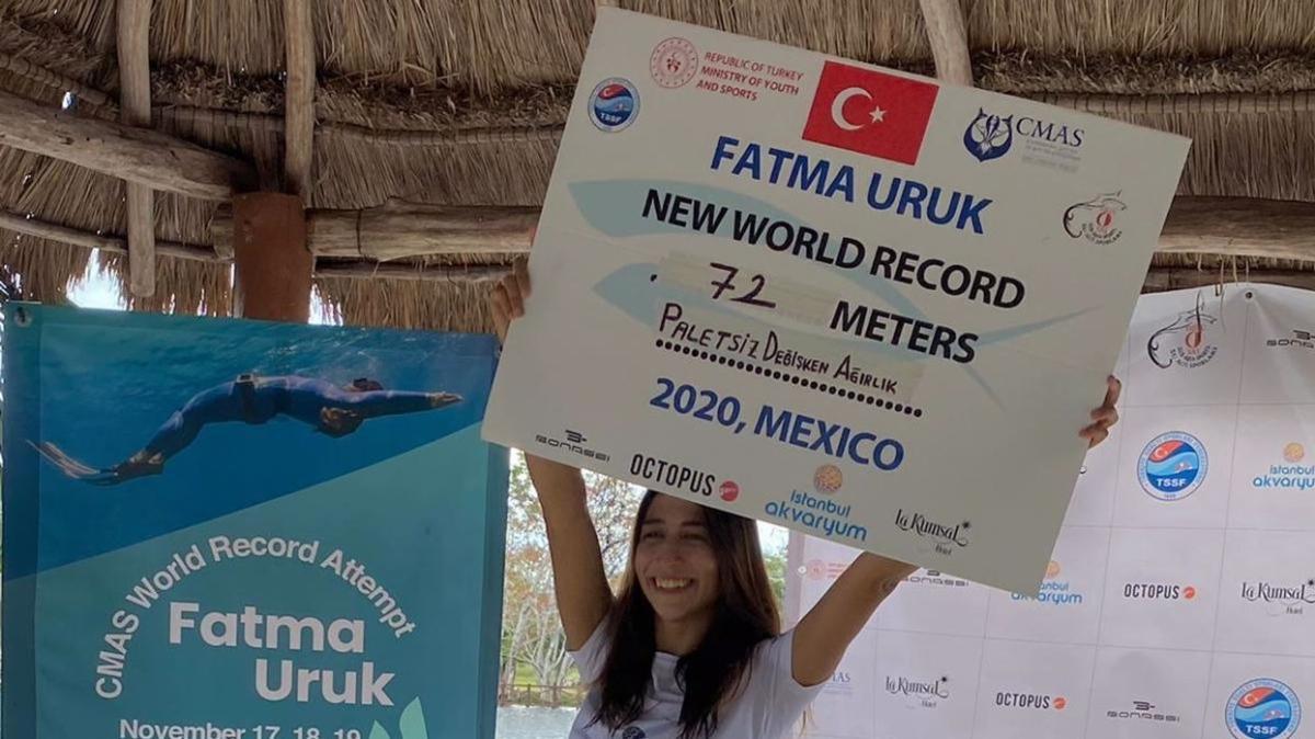 Serbest dalışçı Fatma Uruk, Meksika'da dünya rekoru kırdı