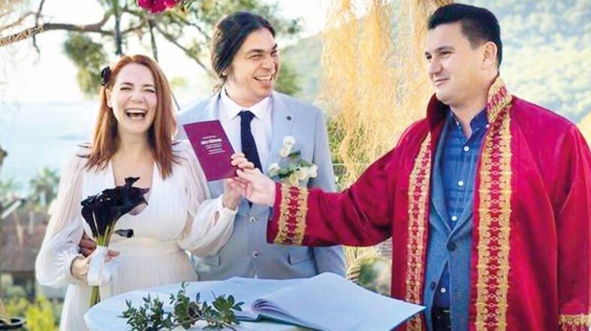 Şarkıcı Aylin Aslım, flüt sanatçısı Utku Vargı'yla evlendi