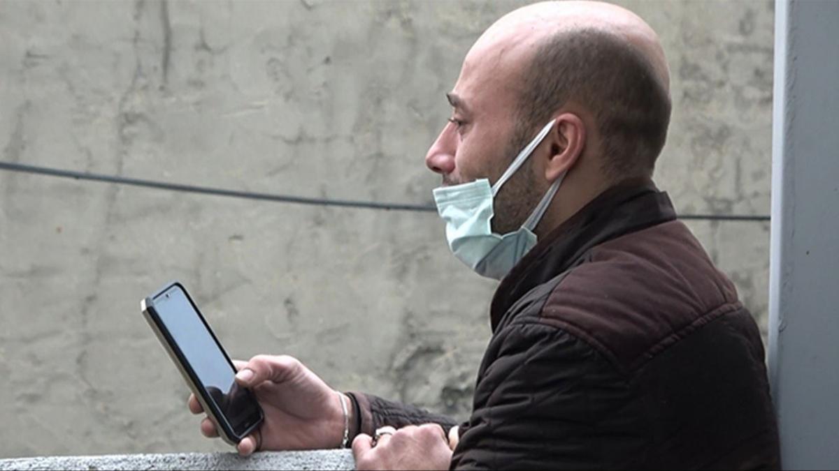 Beyoğlu'nda 3 katlı binada yangın çıktı! Alevler içinde kalan evini gözyaşlarıyla izledi