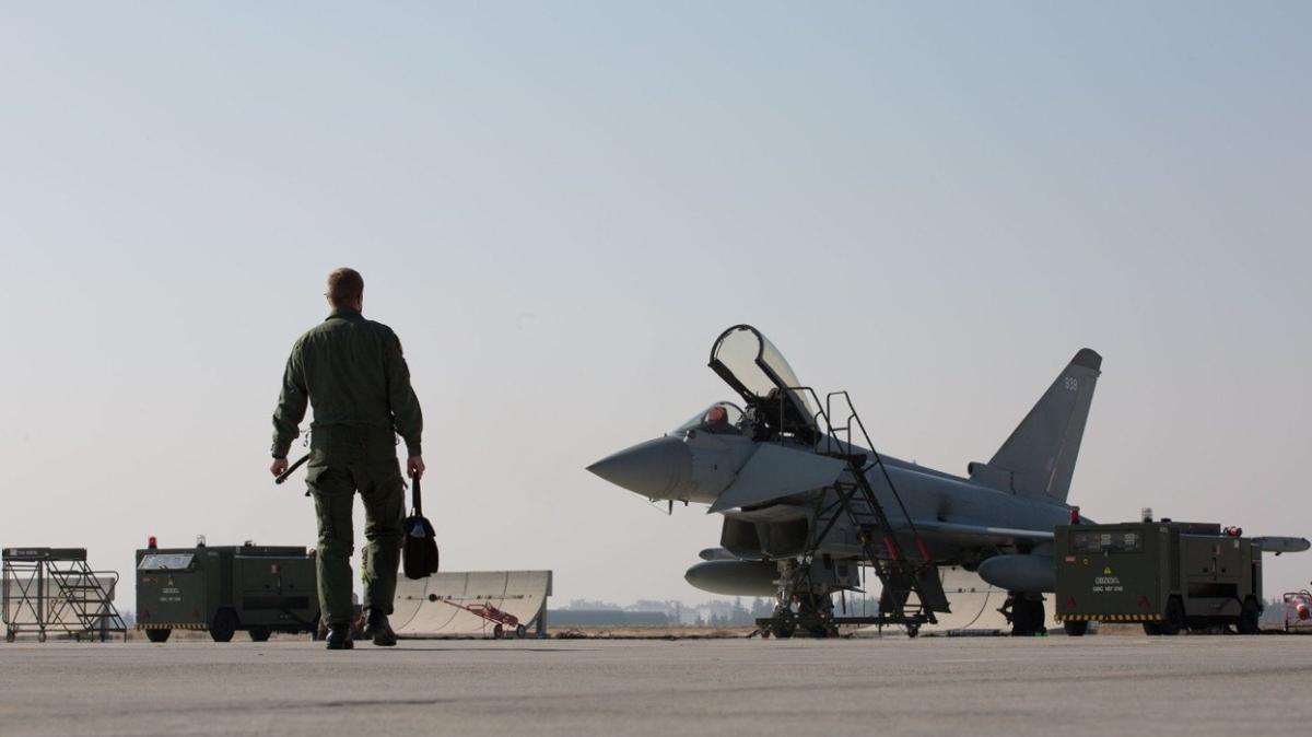 İngiliz uçakları ile Türk F-16'ları eğitim uçuşu icra etti