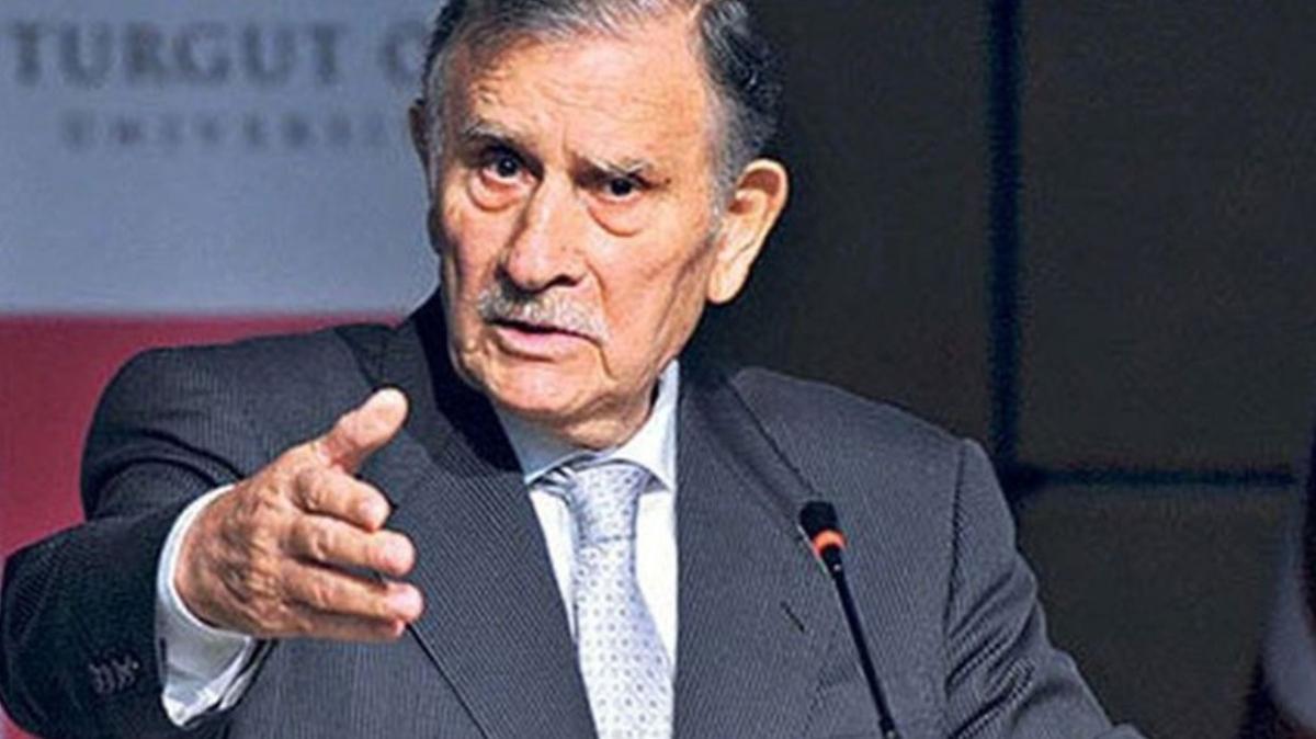 Eski Başbakan Yıldırım Akbulut hastaneye kaldırıldı