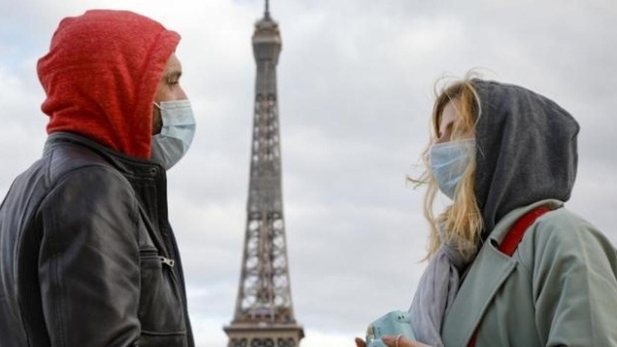 Fransa'da son 24 saatte 28 bin yeni vaka